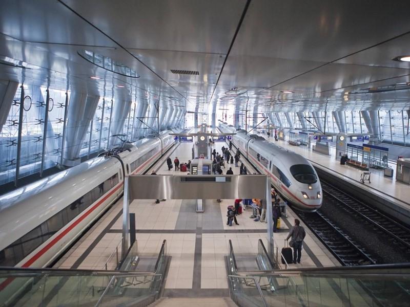 Deutsche Bahn und Lufthansa bauen Kooperation deutlich aus: Zug zum Flug soll ausgeweitet werden