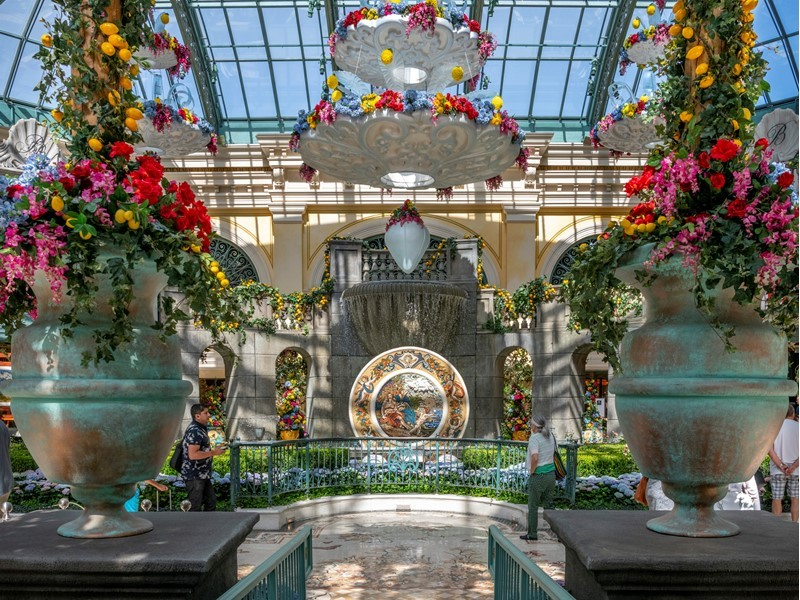 Bellagio's Conservatory & Botanical Gardens Showcases a Summer Journey Through Italy