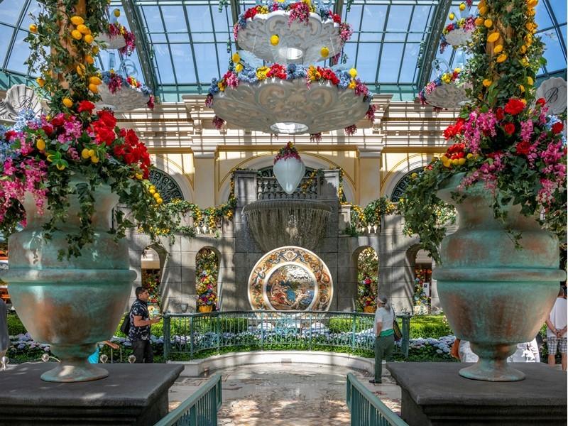 Bellagio's Conservatory & Botanical Gardens Showcases a Summer Journey Through Italy