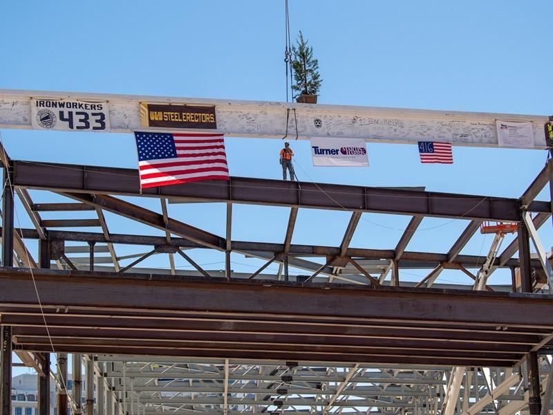 Beam hoisting ceremony celebrates construction team on Las Vegas Convention Center expansion