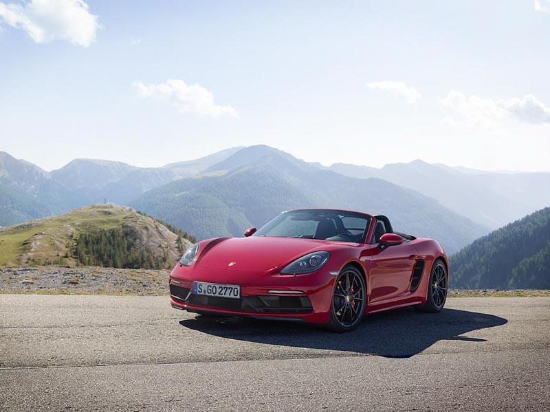 Tailored for design and sportiness – the new Porsche 718 GTS models
