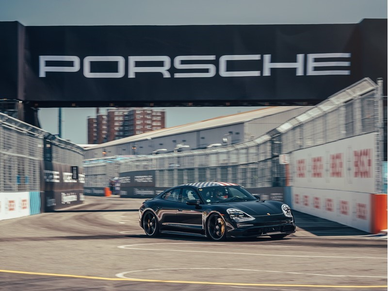 Grand finale of the Porsche Triple Demo Run in New York
