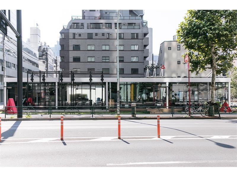 リーボックが初めて総合プロデュースを手掛けたジムが虎ノ門にオープン 話題のクロスフィットを中心に、ビジネスパーソンのマインドセットを図る 「Kitaeru CrossFit Toranomon」 8月