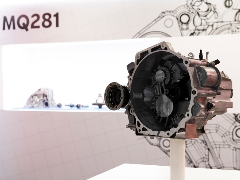 SEAT starts production of a new gearbox
