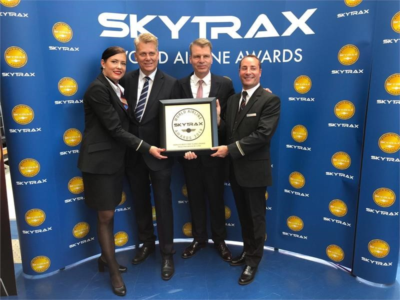 SWISS holt sich Skytrax Award für First Class Lounge
