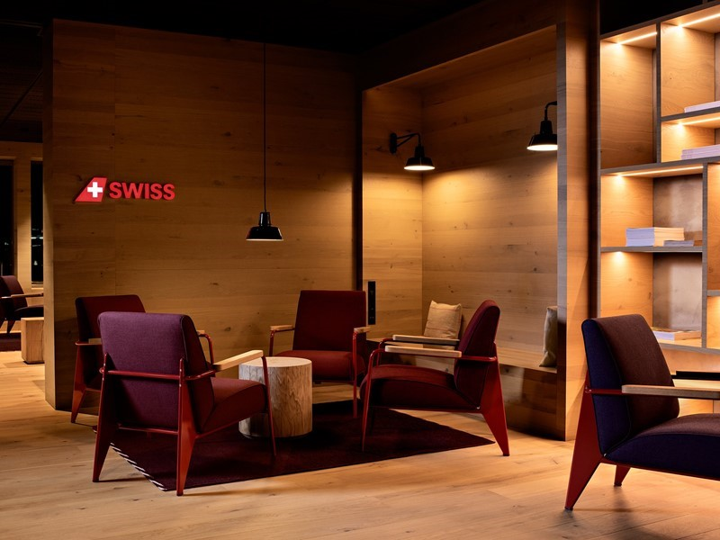 SWISS opens new Alpine Lounge at Zurich Airport