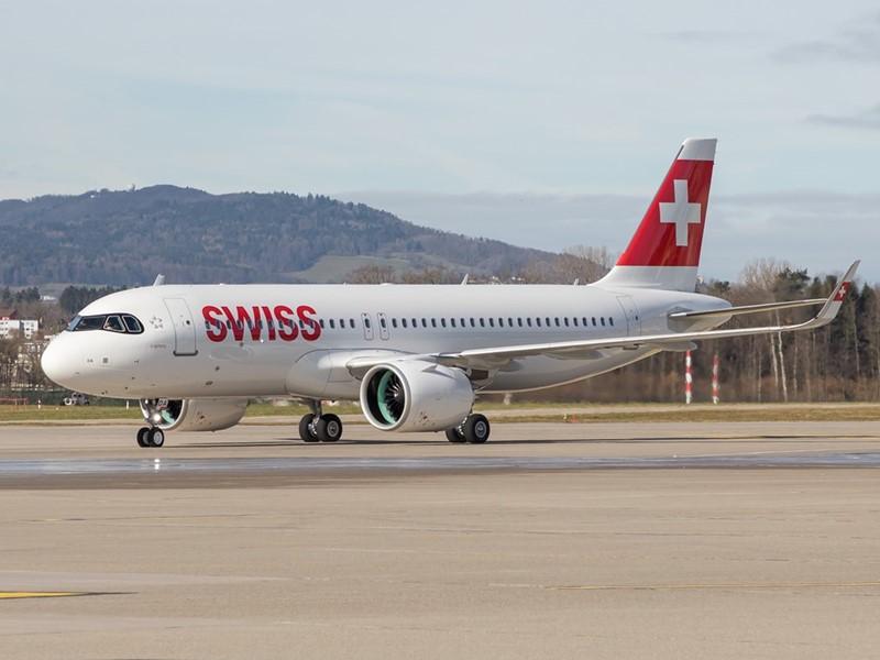 SWISS nimmt ersten Airbus A320neo in Empfang