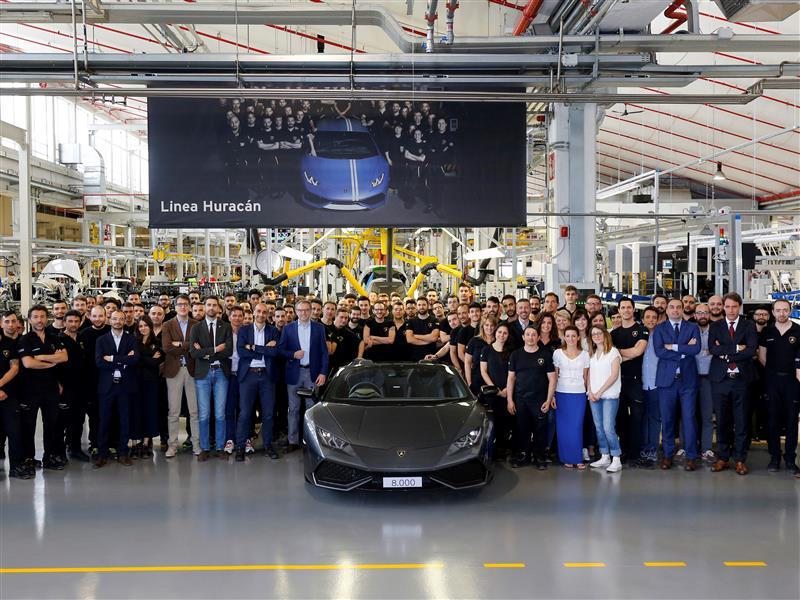 Fotonotiz: Automobili Lamborghini erzielt neuen Produktionsrekord: 8.000 Huracán in 3 Jahren
