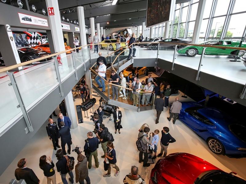 Museo Lamborghini da record:in otto mesi superati i visitatori di tutto il 2016