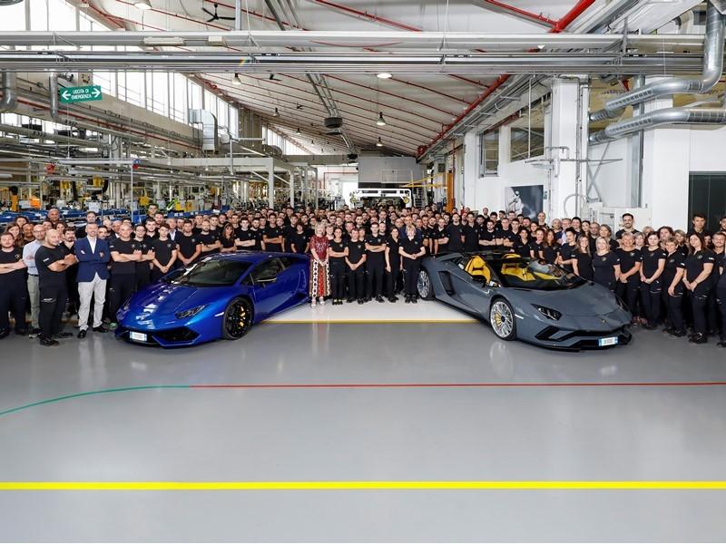 Automobili Lamborghini produces Aventador 8,000 and Huracán 11,000