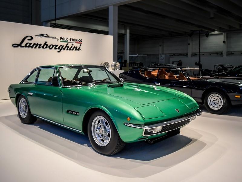 Lamborghini feiert das 50-jährige Jubiläum von Espada und Islero und kündigt eine Tour für beide Mod