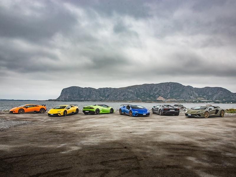 Lamborghini Avventura 2018: an expedition of Lamborghini  super sports cars across the Norwegian fjo