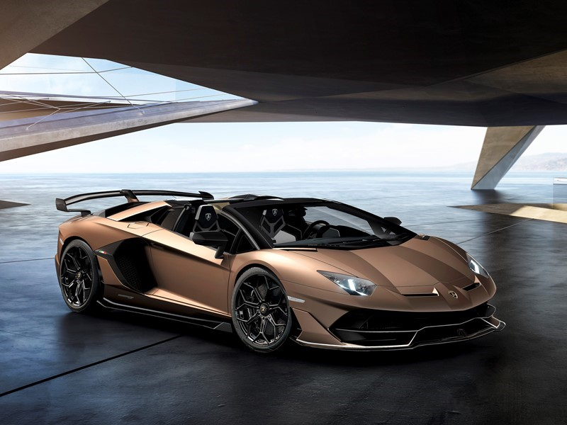 Automobili Lamborghini präsentiert den Aventador SVJ Roadster auf dem Genfer Autosalon 2019: exklusi