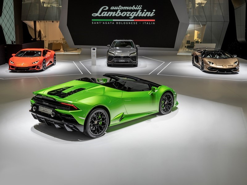 Automobili Lamborghini präsentiert zwei neue Modelle auf dem Genfer Autosalon 2019