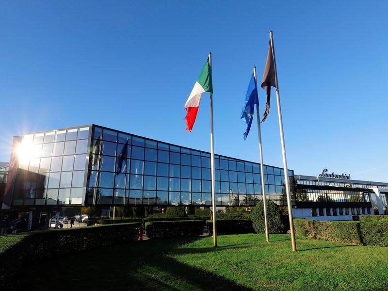 Automobili Lamborghini erreicht 2018 Rekordergebnisse  bei allen wichtigen Unternehmenskennzahlen