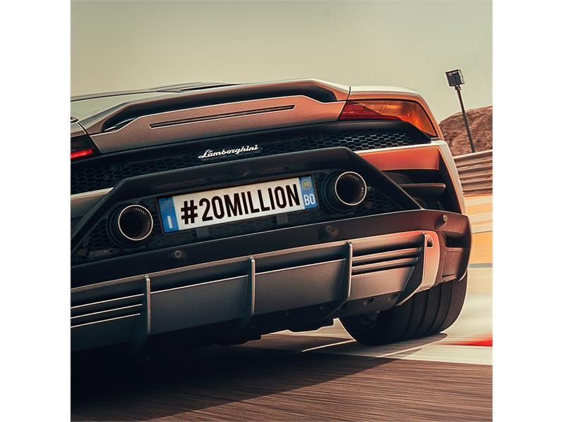 Automobili Lamborghini raggiunge 20 milioni  di follower su Instagram