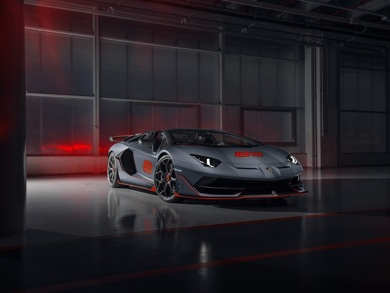 Automobili Lamborghini präsentiert den Aventador SVJ 63 Roadster und den Huracán EVO GT Celebration