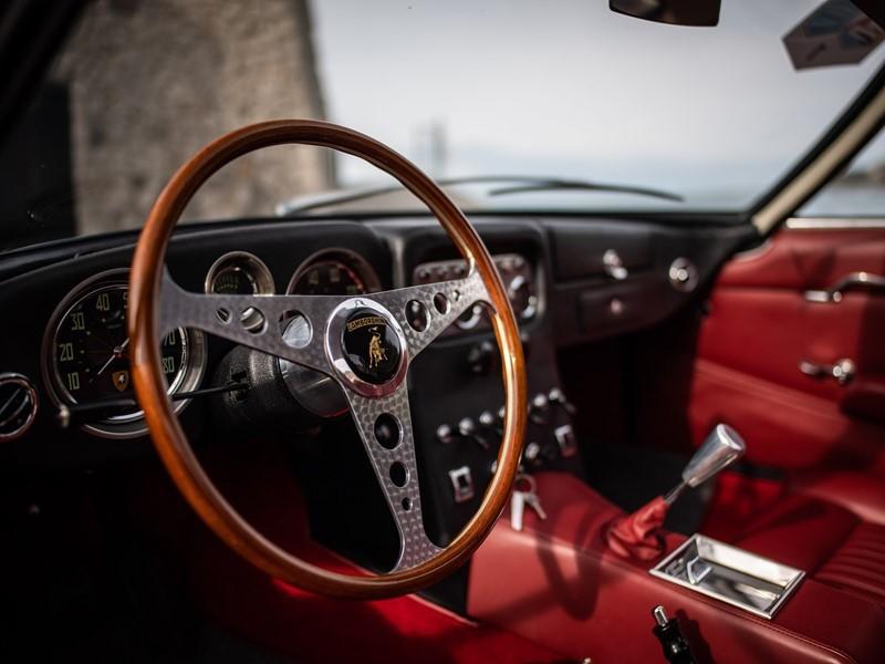 """Zweite Edition des Concours d'Élégance """"Lamborghini & Design"""": Lamborghini 350 GT von 1964 mit der F"""