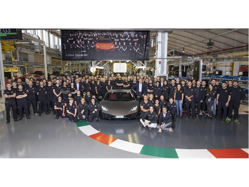 Neuer Rekord: Automobili Lamborghini übertrifft mit dem Huracán  nach fünf Jahren die Produktionszah