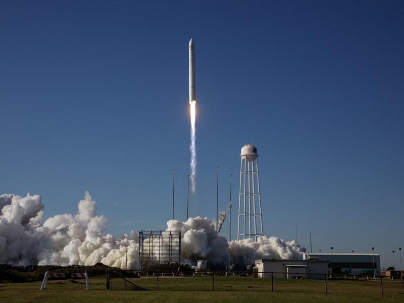 Automobili Lamborghini: Untersuchung von Carbon Werkstoffen an Bord der Internationalen Raumstation