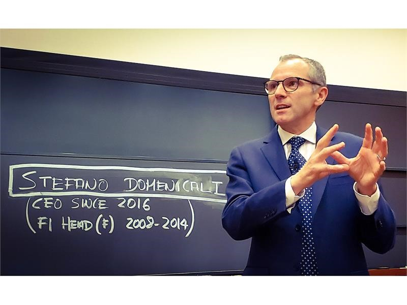 Stefano Domenicali spricht an der Harvard Business School im Rahmen des General Management Executive